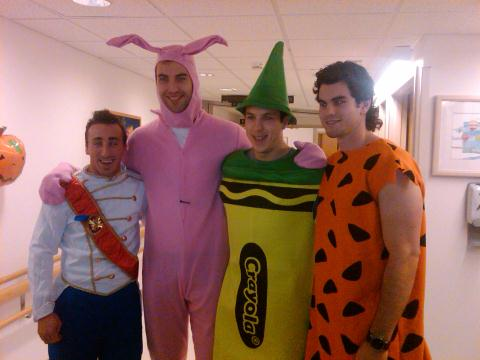 Zdeno Chara Dresses as Pink Bunny as Bruins Celebrate Halloween at Children's Hospital (Photo)