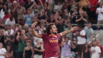 Pablo Daniel Osvaldo Saves Italian Soccer With Sensational Bicycle-Kick Goal (Video)