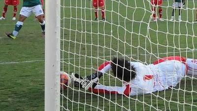 Brazilian Goalkeeper Michel Alves Scores Own Goal With Epic Blunder (Video)