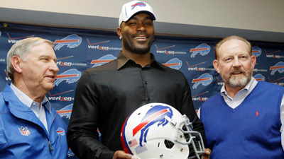 Mario Williams Doesn't Care About Expectations After Wrist Injury Has Forced Slow Start to 2012 Season