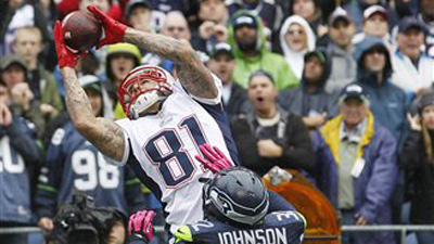 Aaron Hernandez Makes Immediate Impact Upon Return to Patriots, Remains Vital to Offensive Success