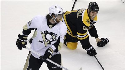 Gregory Campbell, James Neal