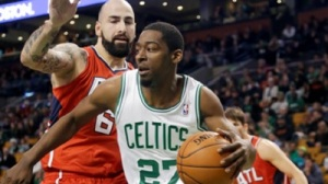 Jordan Crawford Falls Short in Clutch And Other Impressions From Celtics' Loss to Hawks