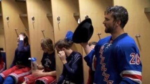 Martin St. Louis Thanks Rangers In Emotional Post-Game Speech (Video)