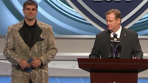 Brad Meester Announces Jaguars' Second-Round Draft Pick In Camo Suit (Photo)