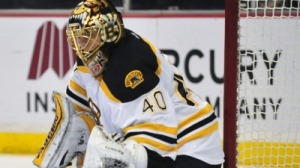 Tuukka Rask Makes Several Key Stops In Bruins' Win Over Coyotes (Video)