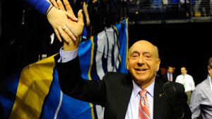 Dick Vitale Fires Back In Response To Geno Auriemma's 'Real Cheap Shot'
