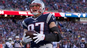 Patriots Vs. Titans Live: New England Wins 33-16 In Injury-Filled Game