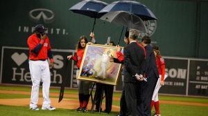 Here's The Cool Painting David Ortiz Received In Red Sox's Pregame Ceremony