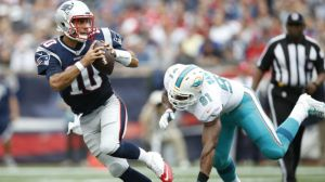 Patriots-Dolphins Live: Jimmy Garoppolo Hurt As New England Holds Off Miami 31-24