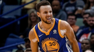 Stephen Curry Injury: Warriors Star Suffers Nasty-Looking Ankle Sprain