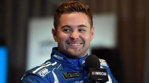 Ricky Stenhouse Jr.'s Primary Sponsors Sign Through 2021 NASCAR Season