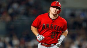 Watch Angels' Mike Trout Absolutely Destroy Golf Ball At Driving Range