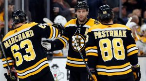 NHL Odds: Here's Latest On Bruins, Blackhawks Ahead Of Winter Classic
