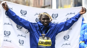 Watch 2019 Boston Marathon Men's Race End With Amazing Photo Finish