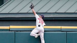 Dunkin' Poll Question: Which Jackie Bradley Jr. Catch Was More Impressive?