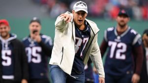 Rob Gronkowski Dances On Stage With Terry Crews At Billboard Music Awards