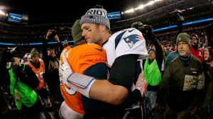 Broncos' Von Miller Says 'It's Extremely Hard Not To Like Tom Brady'