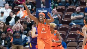 CT Sun Vs. Sparks Game 3 Preview: Can Connecticut Sweep Series On Road?