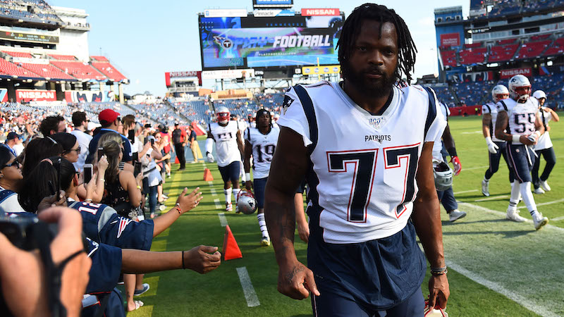 Why Does Patriots' Michael Bennett Wear Tiny Shoulder Pads, Cut Up ...