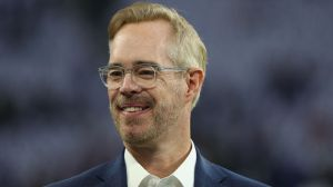 Joe Buck, Doc Emrick Deliver Hilarious Play-By-Play Of Every-Day Events