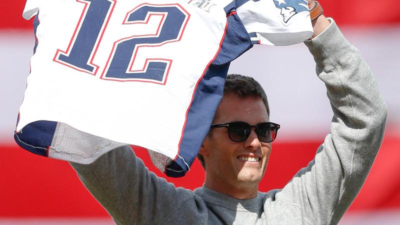 David Ortiz Offers Patriots Simple Advice About Tom Brady's Free Agency