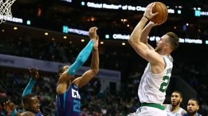 Gordon Hayward Shares First Update Following Hand Surgery With Instagram