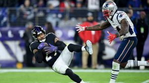 Tom Brady Begrudgingly Tips Cap To Earl Thomas For Interception In Patriots-Ravens