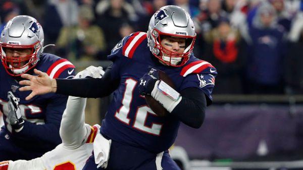 Tom Brady Elbow Injury: Latest 'Update' On Patriots QB's Arm Issue