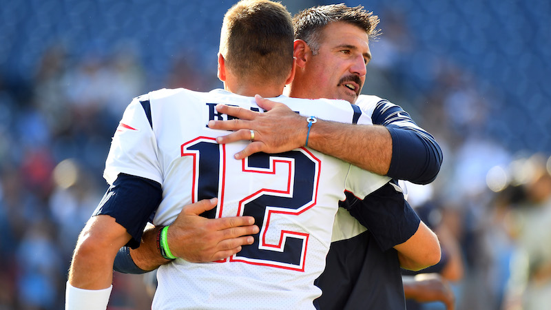 Tom Brady's Ex-Teammate Mike Vrabel Sees 'Very Good' Things From Patriots QB