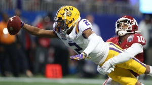 Oklahoma Dragged On Twitter After Disastrous First Half Vs. LSU In Peach Bowl