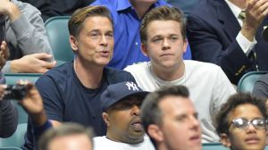 Rob Lowe's NFL Hat Sets Twitter Ablaze During NFC Championship Game
