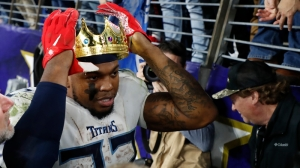 Patriots Fans Will Appreciate Derrick Henry Chirping Earl Thomas After Titans Win