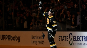 Bruins Notes: Zdeno Chara Has Classy Response To Tribute For Latest Milestones