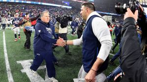 Here's How Mike Vrabel Once Poked Fun At Bill Belichick In Practice
