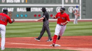 Watch Mitch Moreland Hit Walk-Off Homer, Give Red Sox Win Vs. Blue Jays