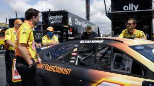 Watch NASCAR Crew Member Execute Ninja-Like Evasive Maneuver On Pit Road