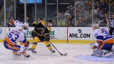 Boston Bruins' Carl Soderberg