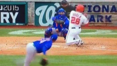 Nationals second baseman Dan Uggla strikes out