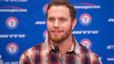 New Rangers outfielder Josh Hamilton