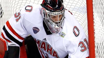Nebraska-Omaha Mavericks goaltender Ryan Massa