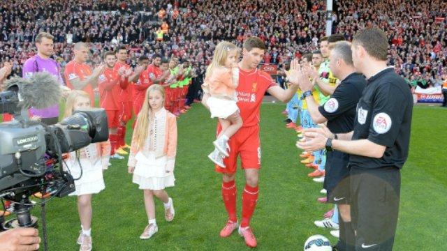 Steven Gerrard Guard of Honor