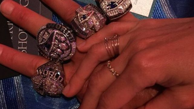 Tom Brady Flashes Rings Thanks Family Patriots Fans In Best Photo Ever Nesn Com