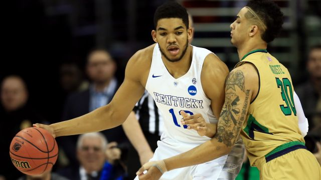 Kentucky Wildcats forward Karl-Anthony Towns