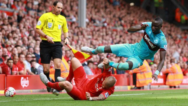 Martin Skrtel and Cheikhou Kouyate in Liverpool - West Ham