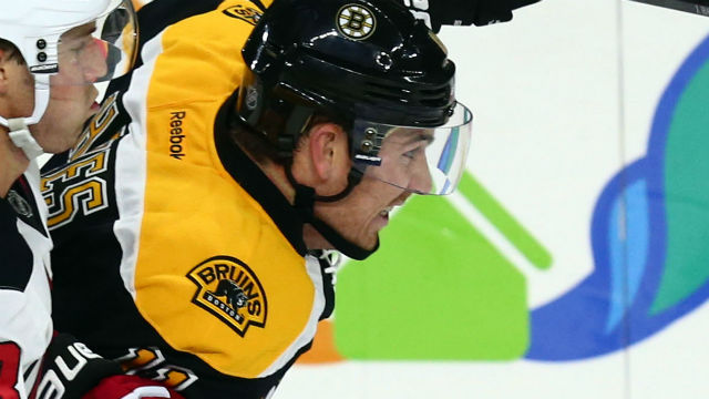 Boston Bruins right wing Jimmy Hayes