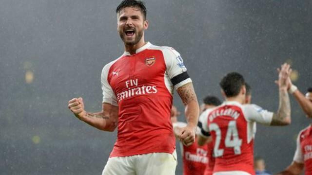 Olivier Giroud celebrates goal in Arsenal's Premier League win over Everton
