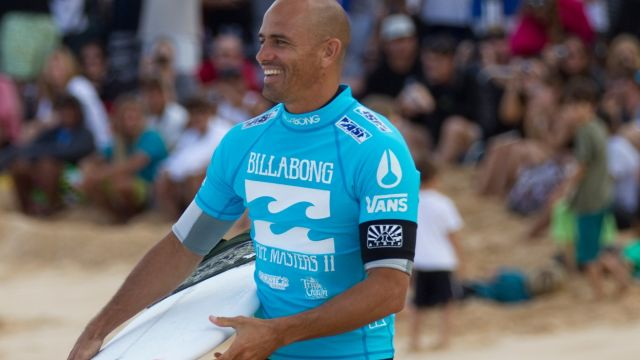 Kelly Slater saved a child and mother swept away by a wave