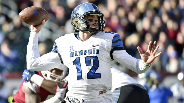 Memphis Tigers quarterback Paxton Lynch