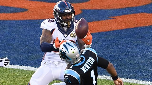 Von Miller sacks Cam Newton in Super Bowl 50